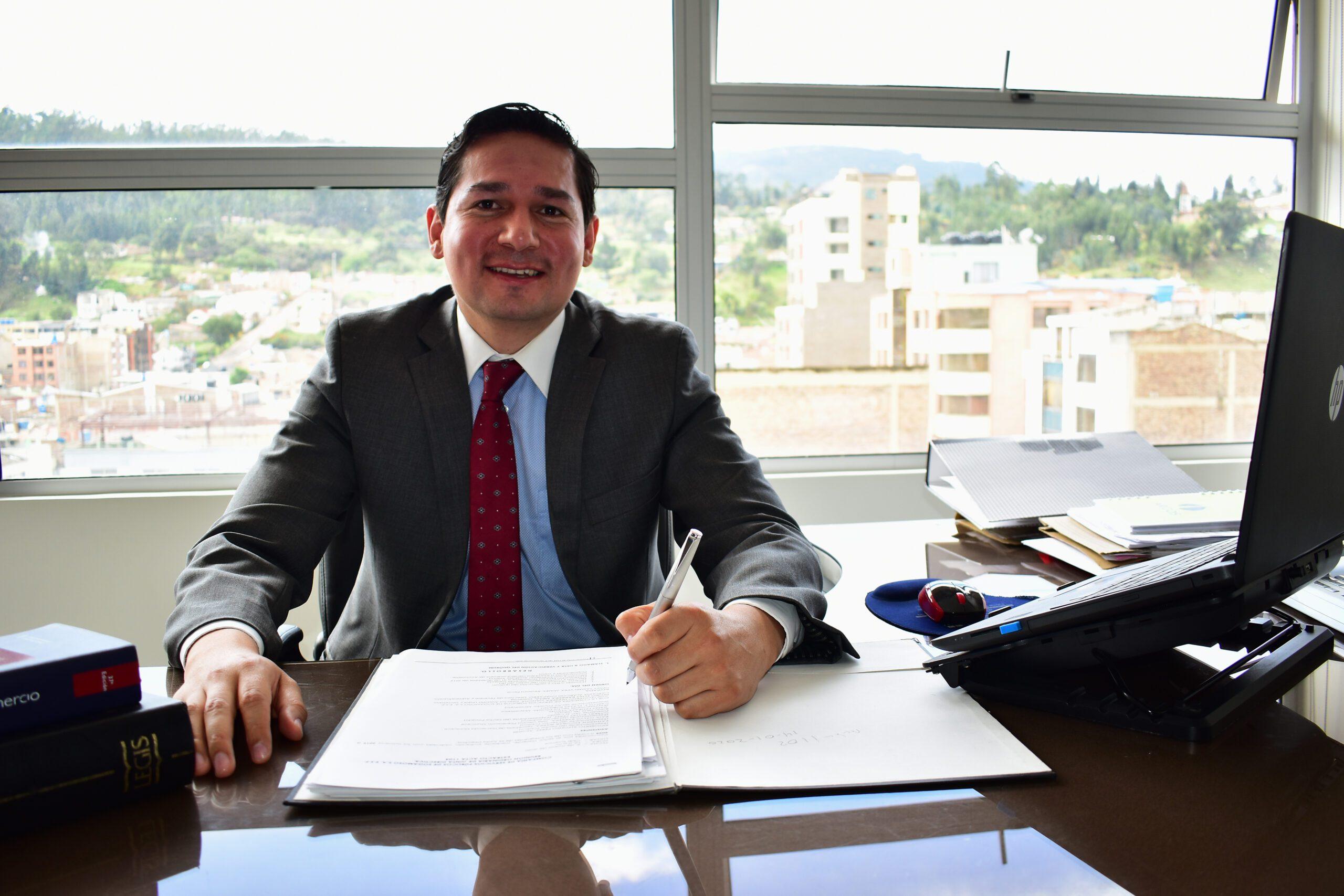 Dr. Leonardo Herrera Viáncha